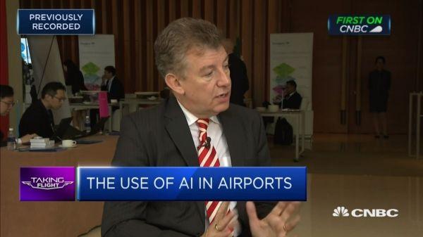 迪拜机场CEO:AI会让机场安检和入境检查消失
