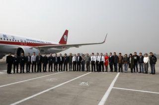 川航迎来第三架A320neo飞机 机队规模升至130架 摄影:高昂