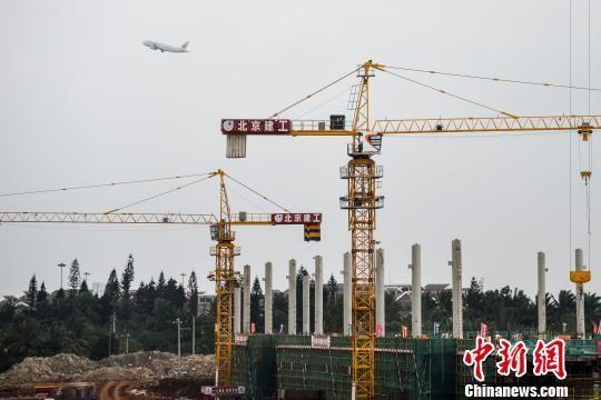 海口美兰机场二期全面推进飞行区航站楼施工