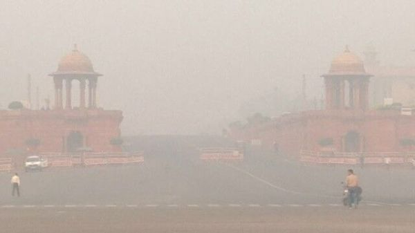 印度空气污染严重 美联航取消飞新德里航班