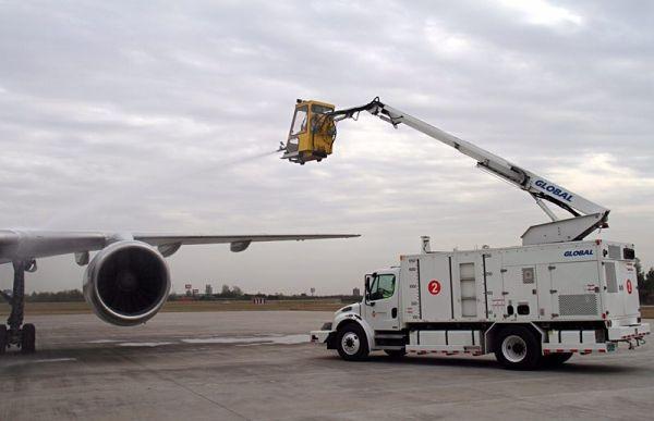 咸阳机场地勤公司完成2017年除冰雪准备工作