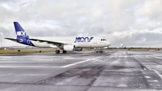 法航子公司Joon首架飞机涂装完成 亮相戴高乐机场