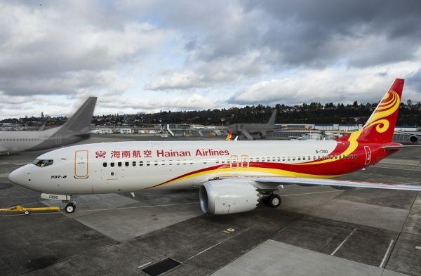 波音向海航交付其首架737MAX