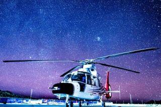 星空下的AC312E。 (摄影:岳书华)