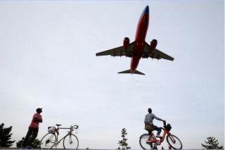 商业航企竞争态势加剧 公务机飞行员缺口扩大