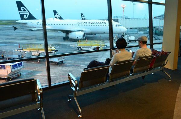 奥克兰机场发生化学品泄漏 现场已疏散