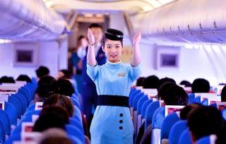 厦航首批台湾籍空姐开始飞行