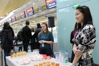 All passengers of the N4 532 flight from LED to MRV were served celebratory beverages and sweets atPulkovo airport.