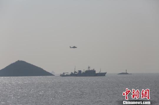 海监飞机在浙江宁波附近海域开展督察