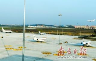 白云机场商务航空服务基地启用 共有27个停机位