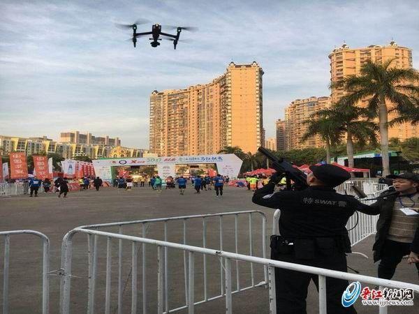 2017晋江国际马拉松赛 警方迫降5架黑飞无人机