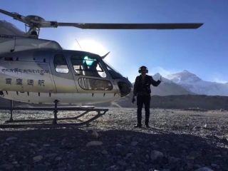 雪鹰通航H125机组成功完成珠峰大本营起降