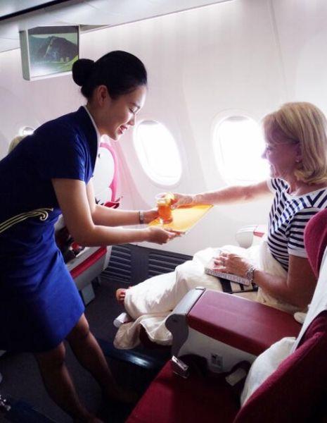 深航提升乘务员英语水平 打造国际化客舱服务