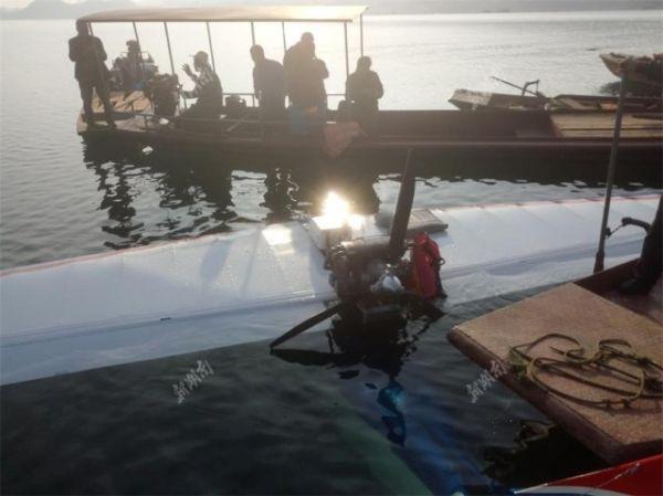 湖南一架小型飞机坠落!渔民救出2名受伤人员