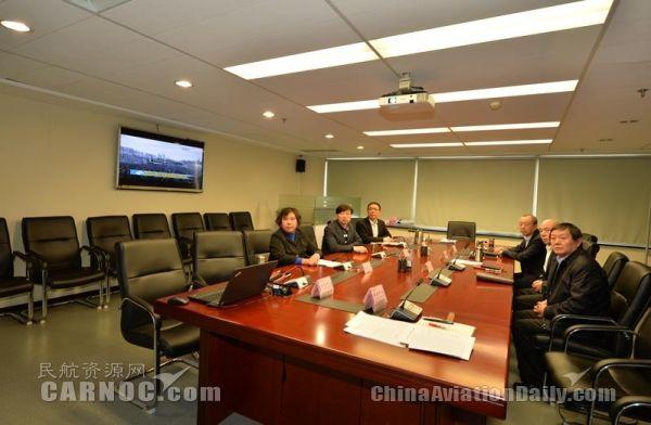 中国邮政航空:收看公祭仪式 铭记历史祈愿和平