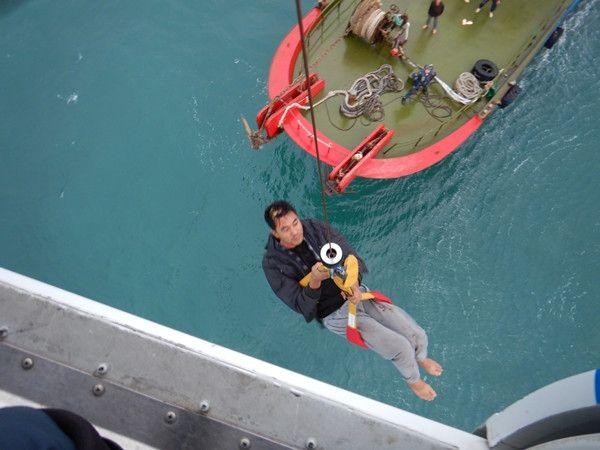 渔民被缆绳打伤头部 南一飞直升机紧急驰援