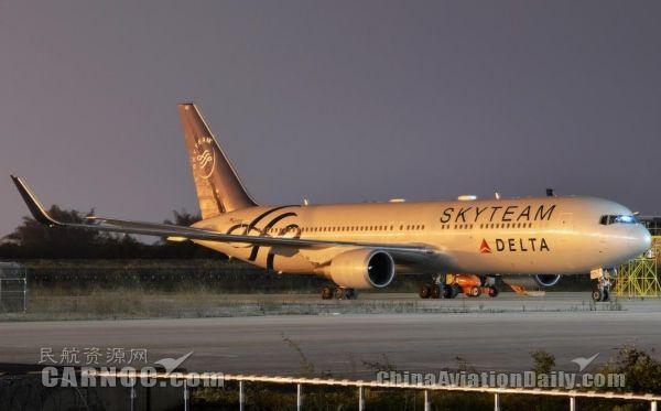 达美客机险落滑行道 NTSB调查原因