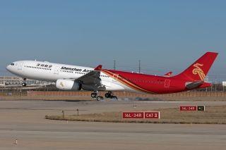 深航第二架A330-300型宽体客机飞抵天津滨海国际机场,摄影:民航资源网飞友许湘江