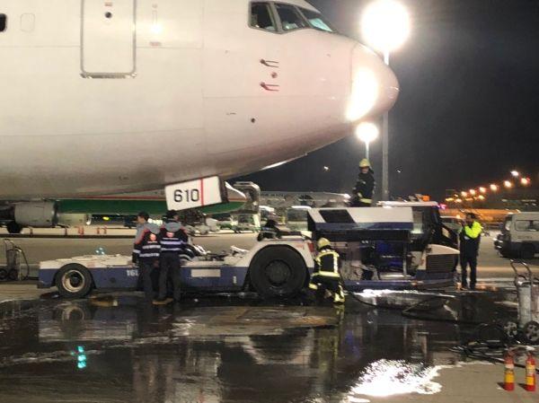 桃园机场地面拖车作业过程中起火