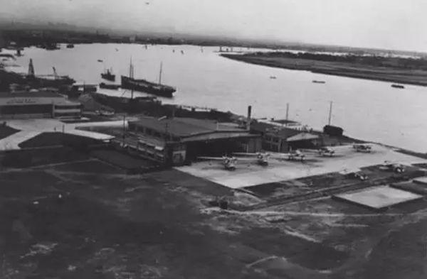 20世纪30年代中后期航拍的龙华机场。图/上观新闻