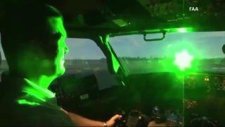 民航安检安保周报:激光照射飞机将受重罚