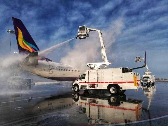 厚雪18cm 海航技术新疆安全护送飞机起航