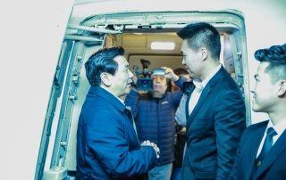 民航局局长慰问深航2017年度最后一班航班