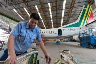 中国航空工业集团公司派驻专业人员保障新舟60海外运营。图片由中航国际提供。