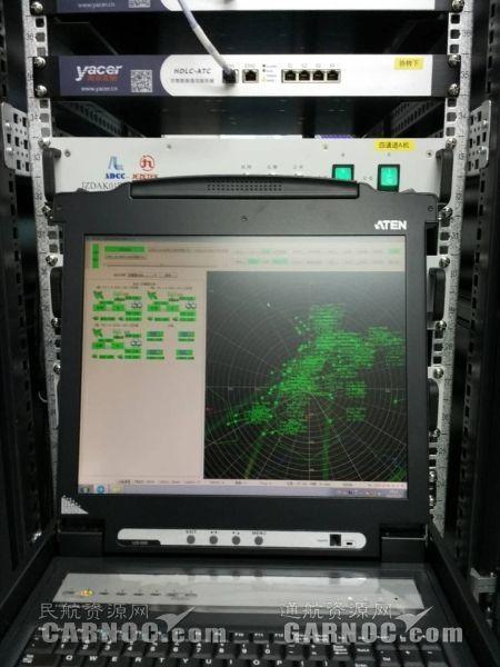 ADS-B接收空中航班画面 摄影:王新院