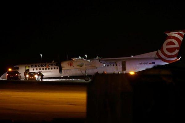 波兰航空飞机紧急降落华沙机场,无人受伤