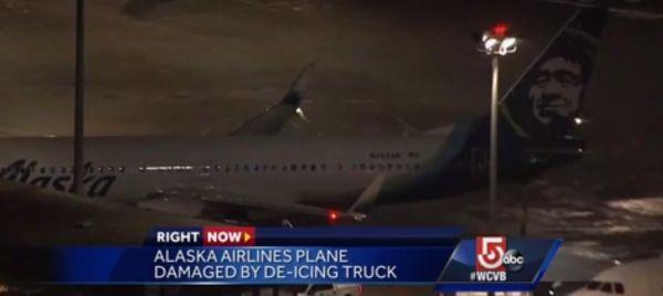 阿拉斯加航空客机撞上除冰车 未造成人员伤亡
