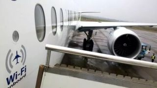 航企百舸争流 中国民航进入机上手机时代