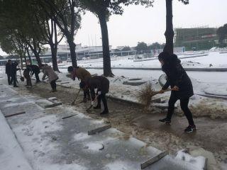 安庆机场破冰行动暖人心 感染旅客自发加入
