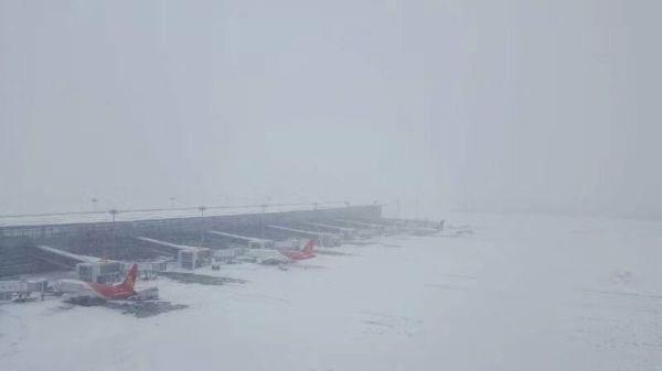 以雪为令 深航江苏人昼夜奋战保航班