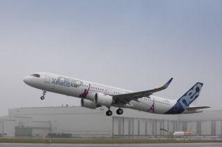 全球航程最远单通道飞机空客A321LR完成首飞