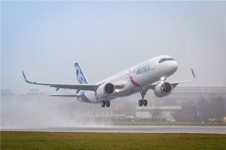 首架远程型空客A321LR飞机成功完成首飞