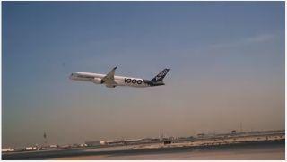 视频:A350-1000测试飞机在多哈低空通场