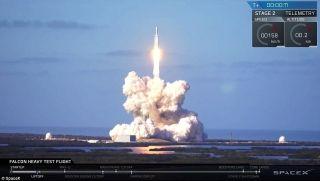 SpaceX又一壮举 成功发射全球最强商业火箭!