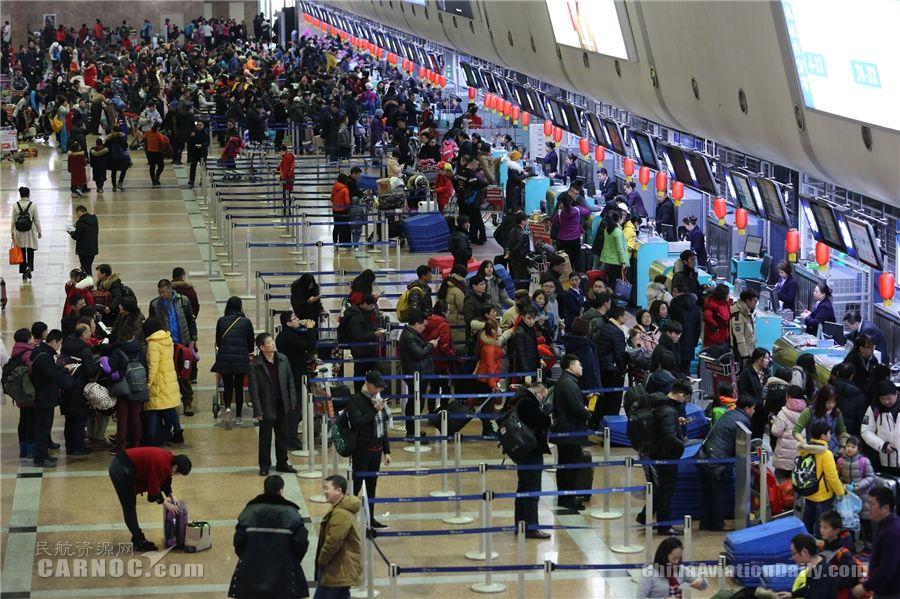 春运10天 哈尔滨机场运送旅客60.4万人次