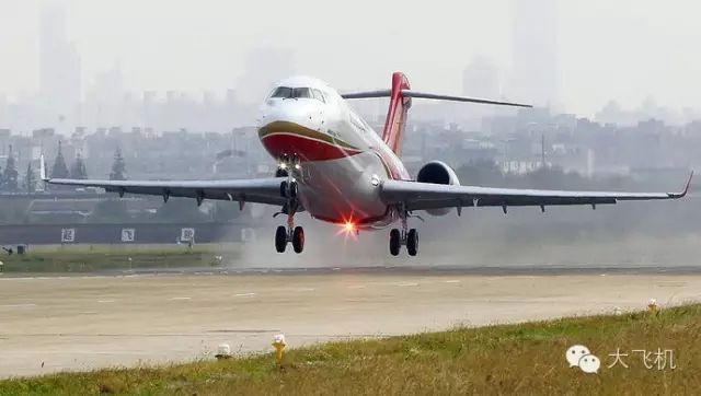 这次春节 坐ARJ21回家过年!
