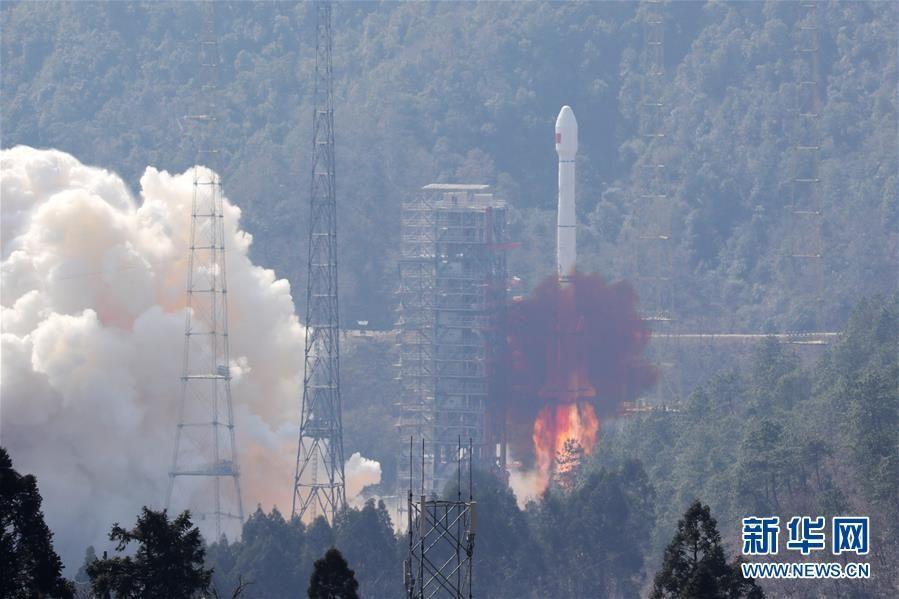 """我国""""一箭双星""""成功发射两颗北斗卫星"""