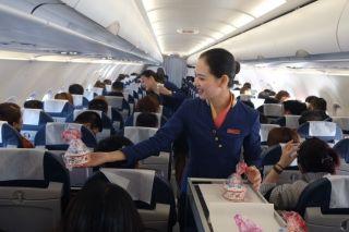 成都航空空乘大拜年  来听巴适的成都话客舱广播