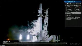 SpaceX发射两颗互联网服务测试卫星