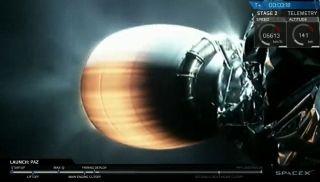 """""""猎鹰9号""""火箭的一个助推器升空后不久开始燃烧"""