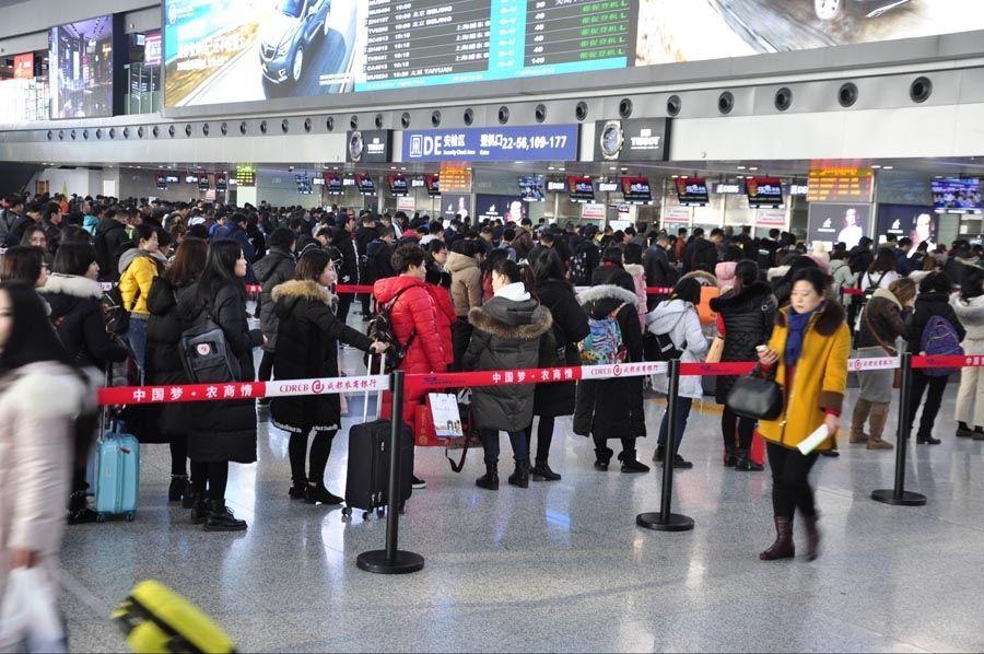 节后春运成都机场高位运行 日均航班超千个