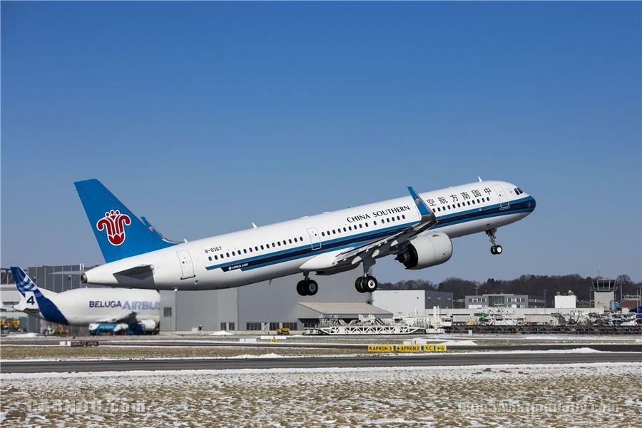 南航接收中国市场首架空客A321neo飞机