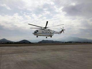 东方通航顺利完成AC313改装首飞训练