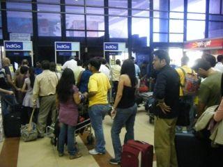 客流量猛增 印度机场面临扩容压力