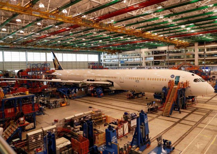 首架波音787-10梦幻客机交付新加坡航空