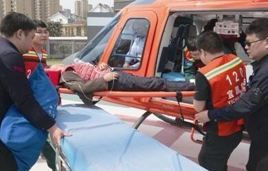 宜昌救援直升机一天两次起降 转运两名重症患者